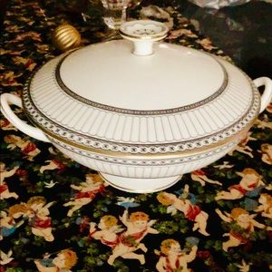 """Wedgwood """"Colonnade Black"""" Covered Dish"""